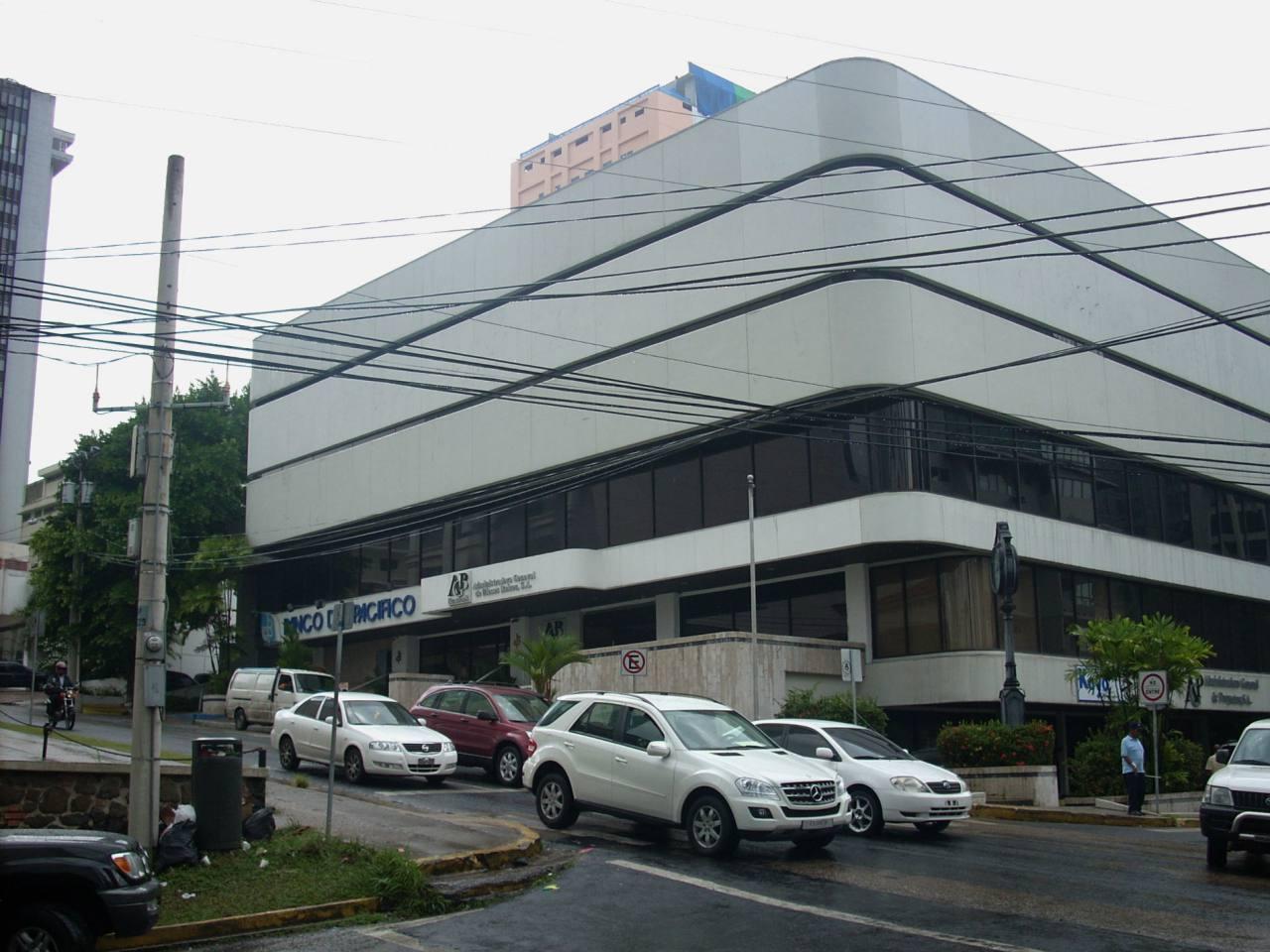 Banco del Pacífico vendió su filial en Panamá