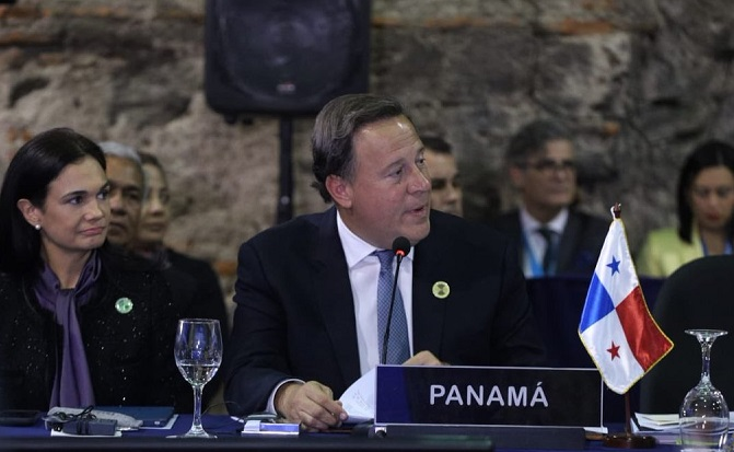 Varela aboga por la paridad de género y pide fomentar la inversión extranjera