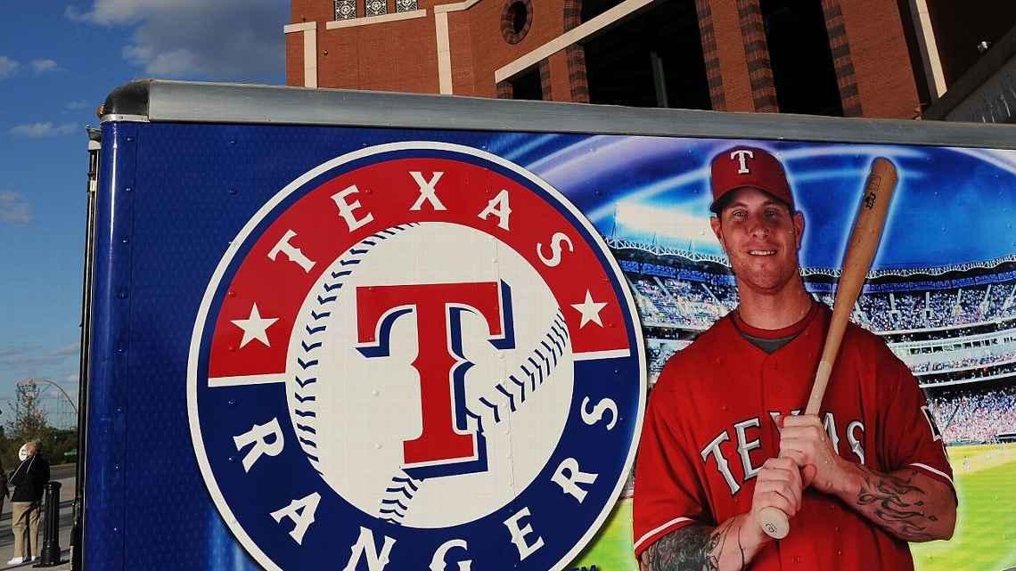 Panameño Julio Rangel entrenará el staff de pitcheo de los Rangers de Texas