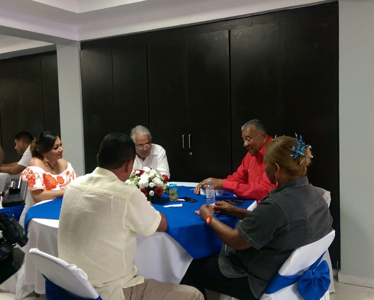Blandón inicia acercamiento con el Partido Alianza