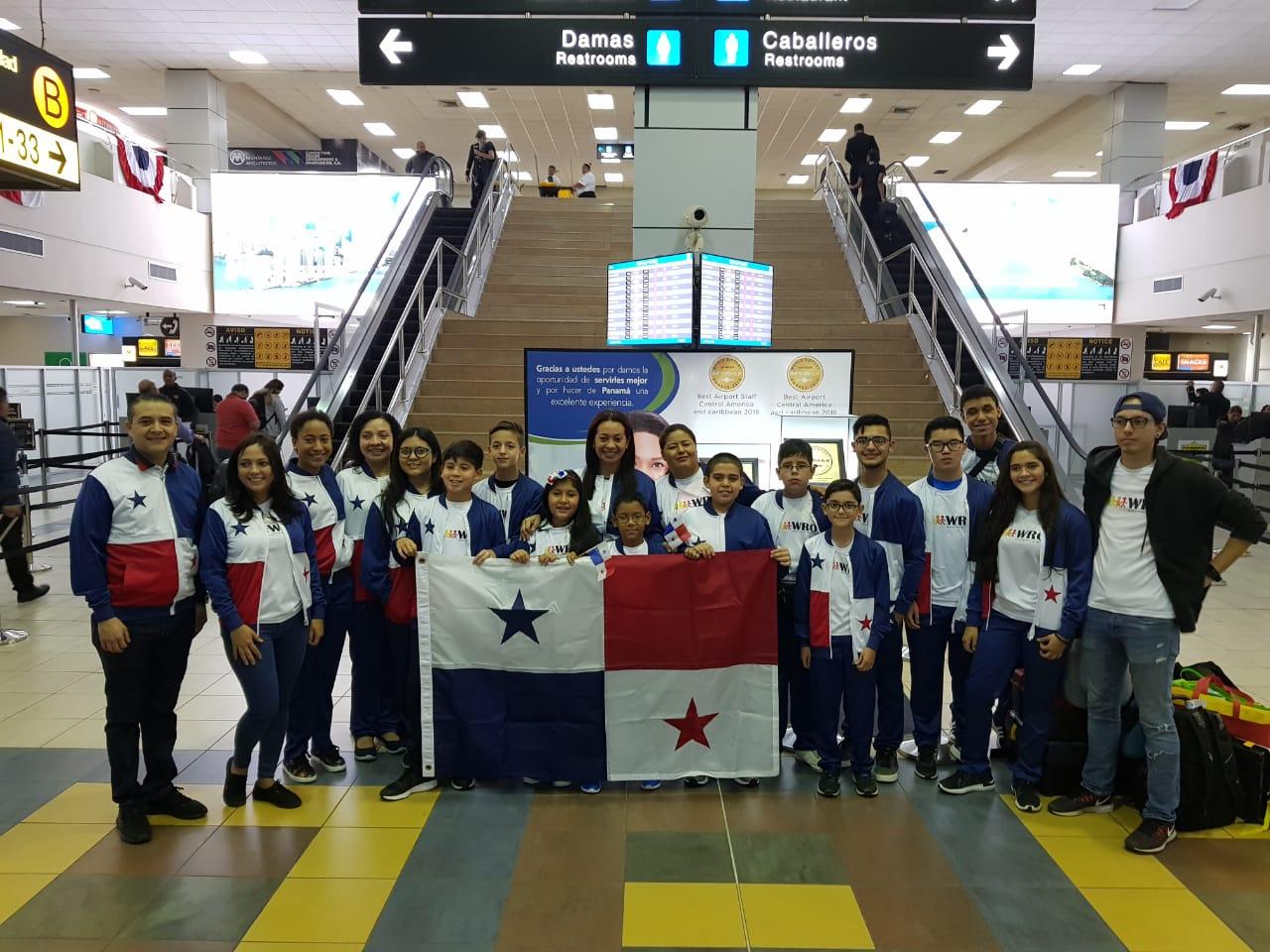 Panameños viajan a Tailandia para participar en Olimpiada Mundial de Robótica