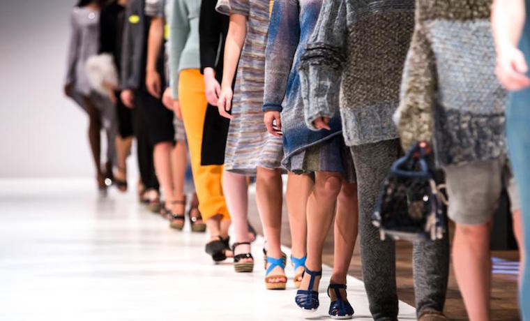 "Lanzan colección de moda en base a la ""inteligencia artificial"""
