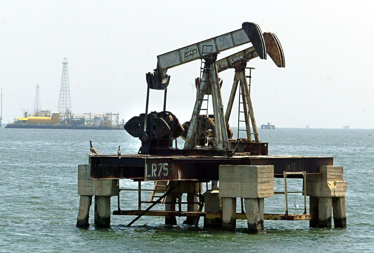El petróleo subió tras caer la producción de la Opep