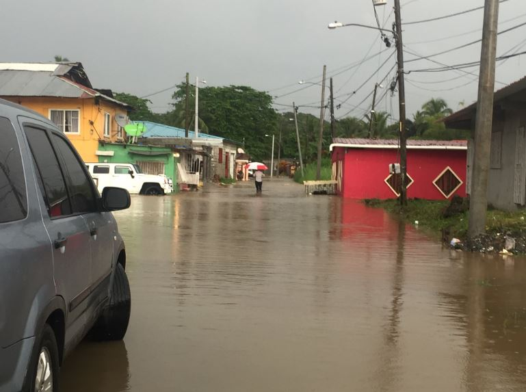 Meduca suspende clases en toda la provincia de Colón por fuertes lluvias