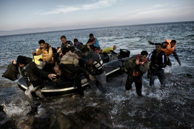 """""""Cruzar es arriesgar la vida"""": dolor y dudas sobre naufragio de migrantes venezolanos"""