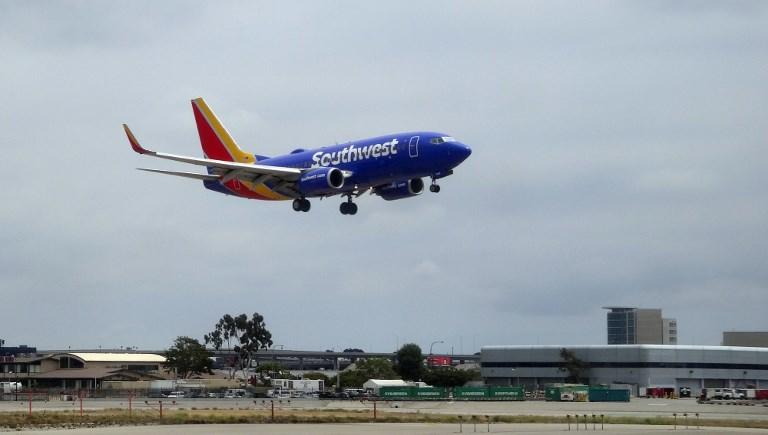 Avión de EEUU se devuelve para entregar un corazón humano olvidado a bordo
