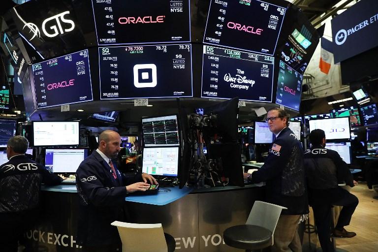 Wall Street termina la semana en fuerte alza, el S&P 500 rompe récord