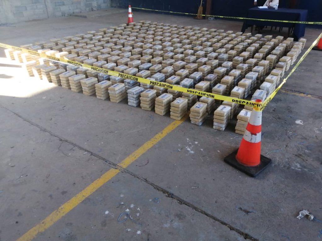 Encuentran un cargamento de supuesta droga en Playa Hermosa, Coiba