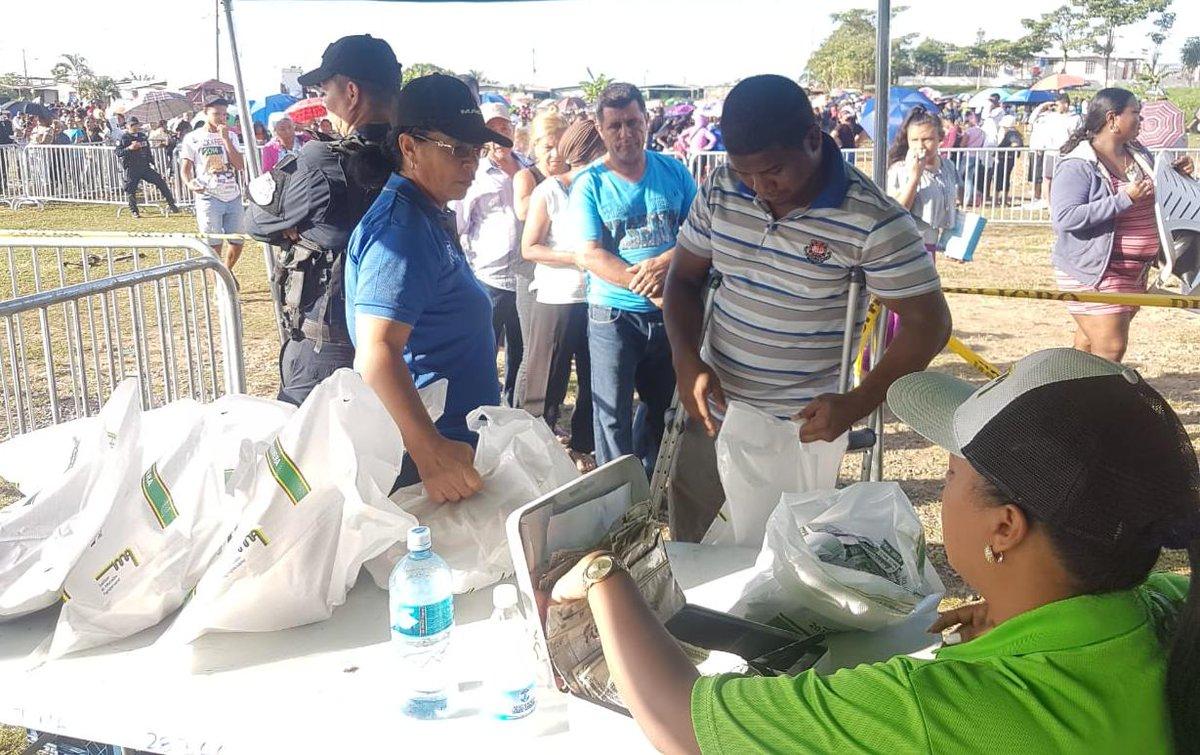 En el primer día de NaviFerias se venden más de 37 mil jamones