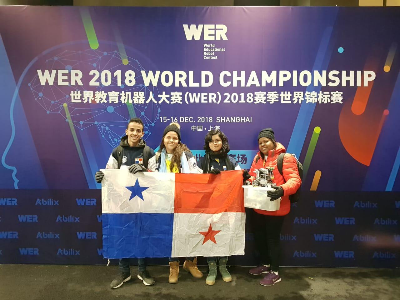 Estudiantes panameños ganan 3er lugar en Competencia Mundial de Robótica