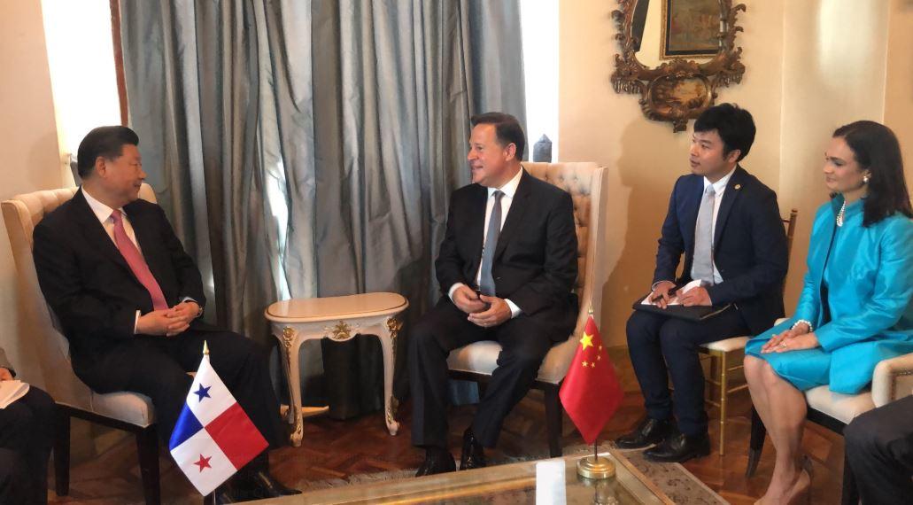 Presidente Xi Jinping realiza histórica reunión con Varela