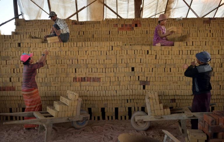 Faltan dos siglos para alcanzar la igualdad laboral advierte Foro Económico