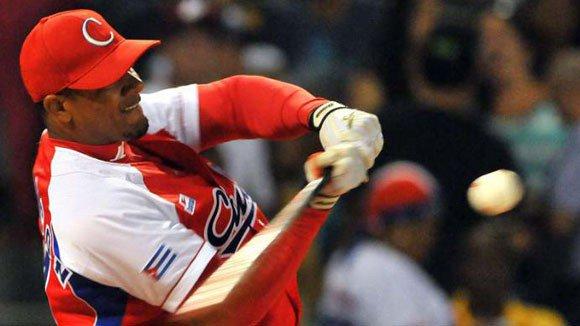 Beisbolistas cubanos podrán firmar contratos con la MLB desde 2019