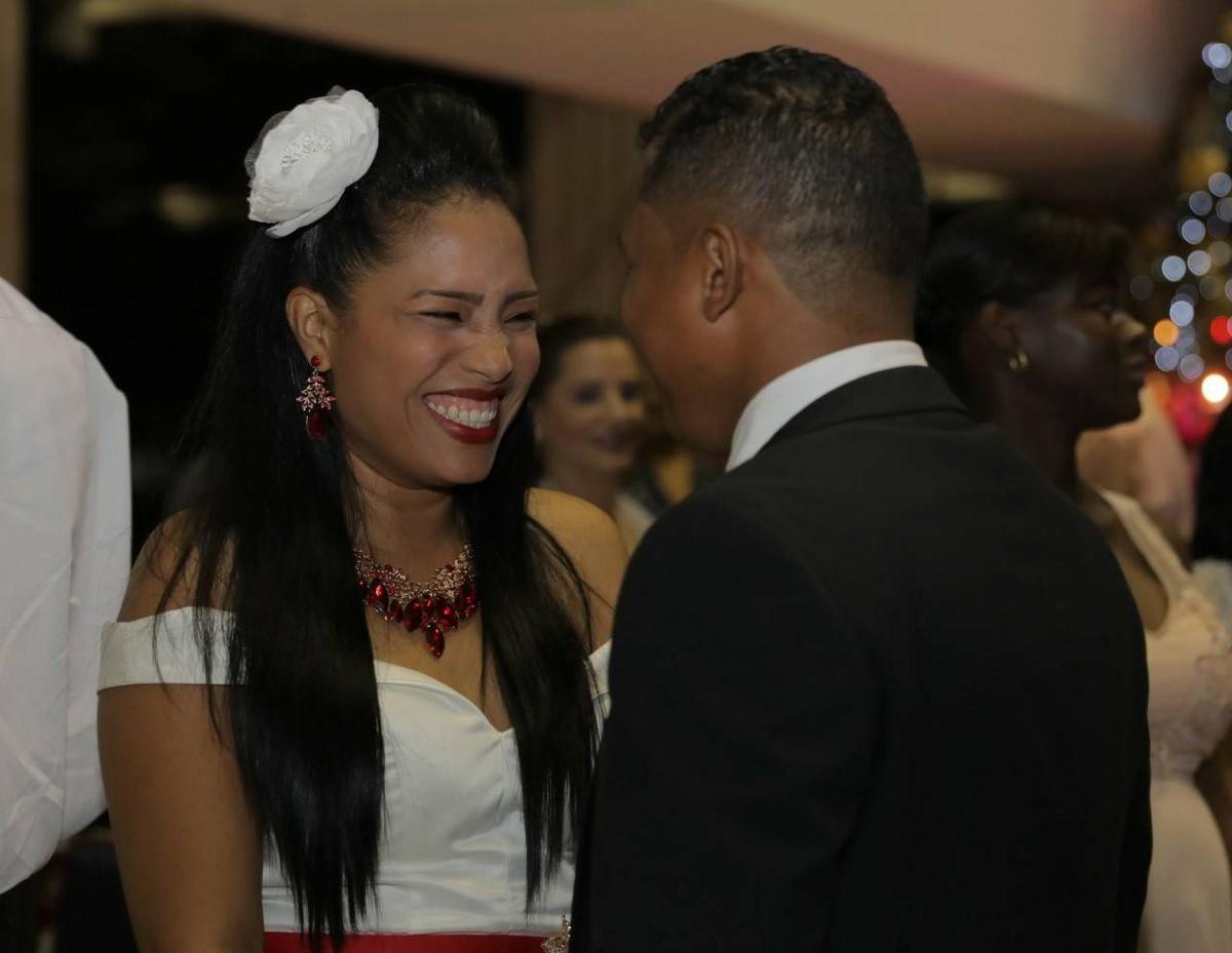 Tribunal Electoral realiza la última boda masiva del año