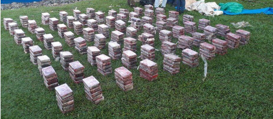 Decomisan 380 paquetes de droga y detienen a dos colombianos en Bocas del Toro