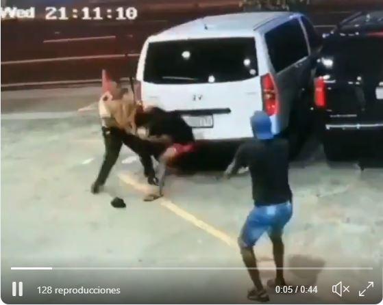 Arrendadora de autos hará reconocimiento al agente de seguridad que evitó robo