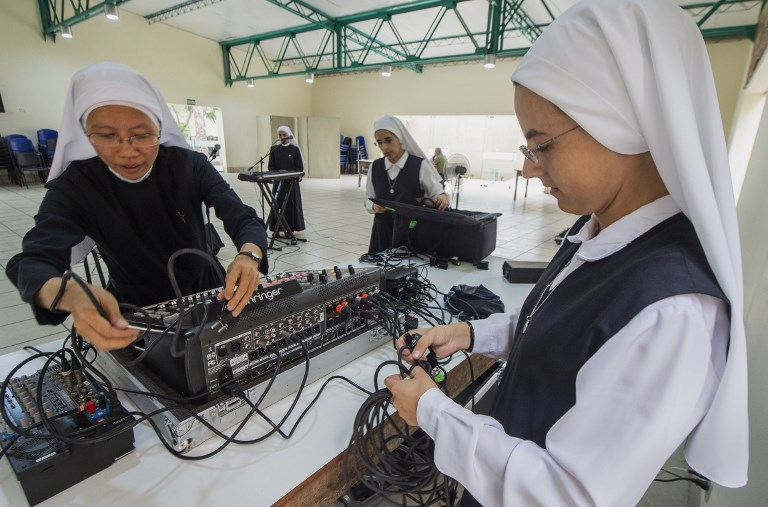 Siervas, las religiosas roqueras que harán bailar al papa en Panamá