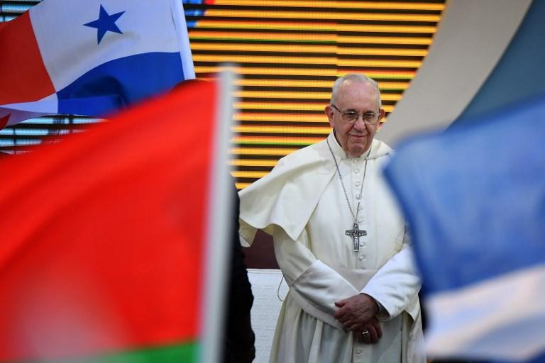 El Papa reconoce que la Iglesia está 'herida por su pecado'