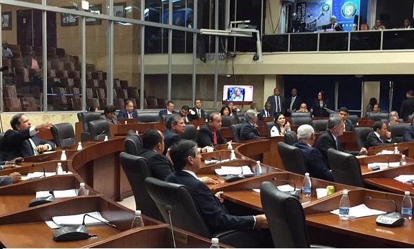 Asamblea aprueba en segundo debate penalizar la evasión fiscal