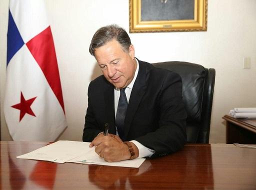 Presidente Juan Carlos Varela sanciona ley que penaliza la evasión fiscal
