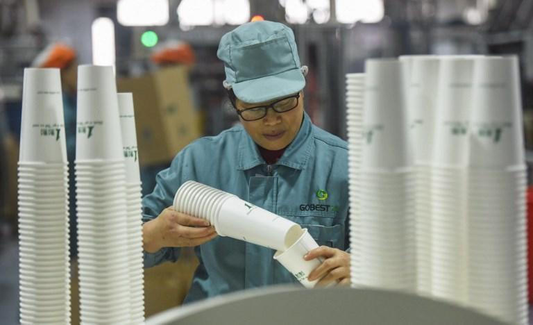 Con el crecimiento que flaquea en China las empresas deslocalizan o despiden personal