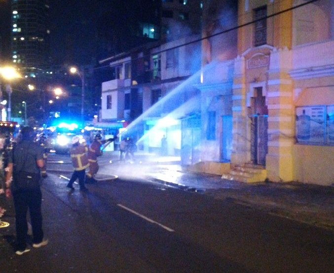 Bomberos atienden incendio en Bella Vista