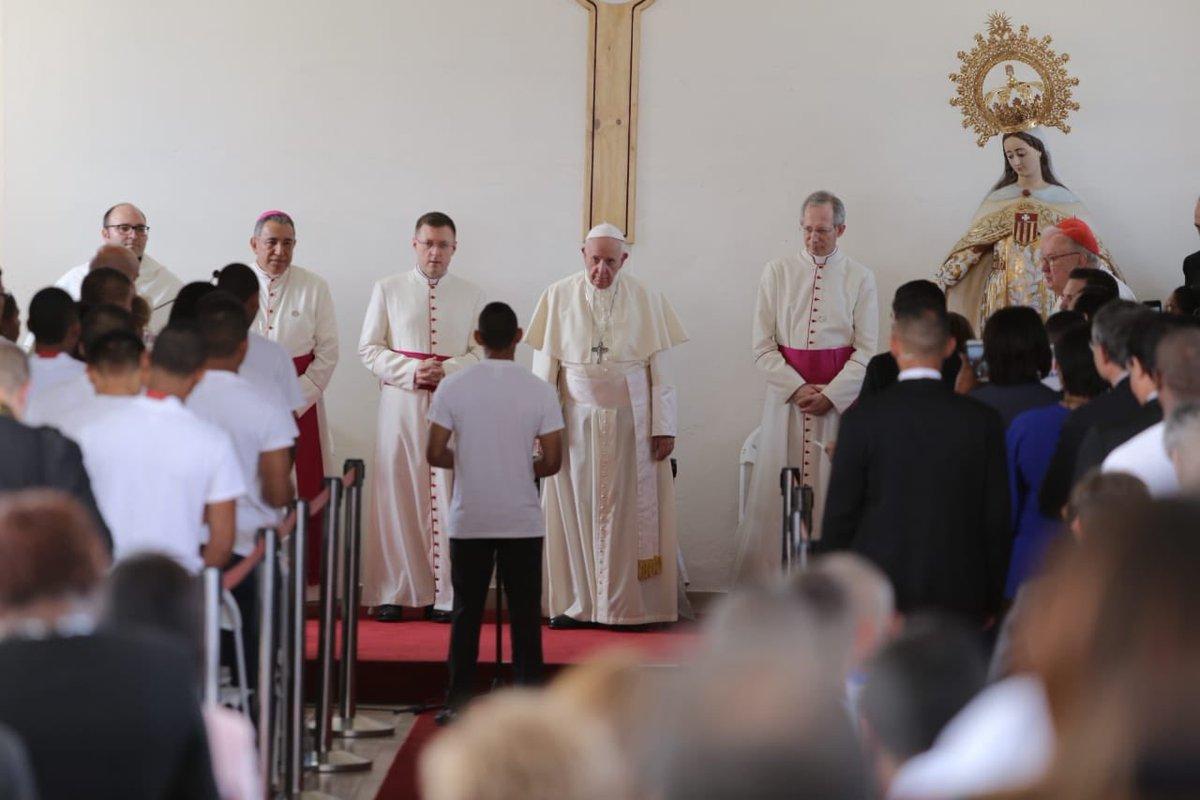 Nueve jovenes recobran la libertad luego de visita del papa a centro de detención