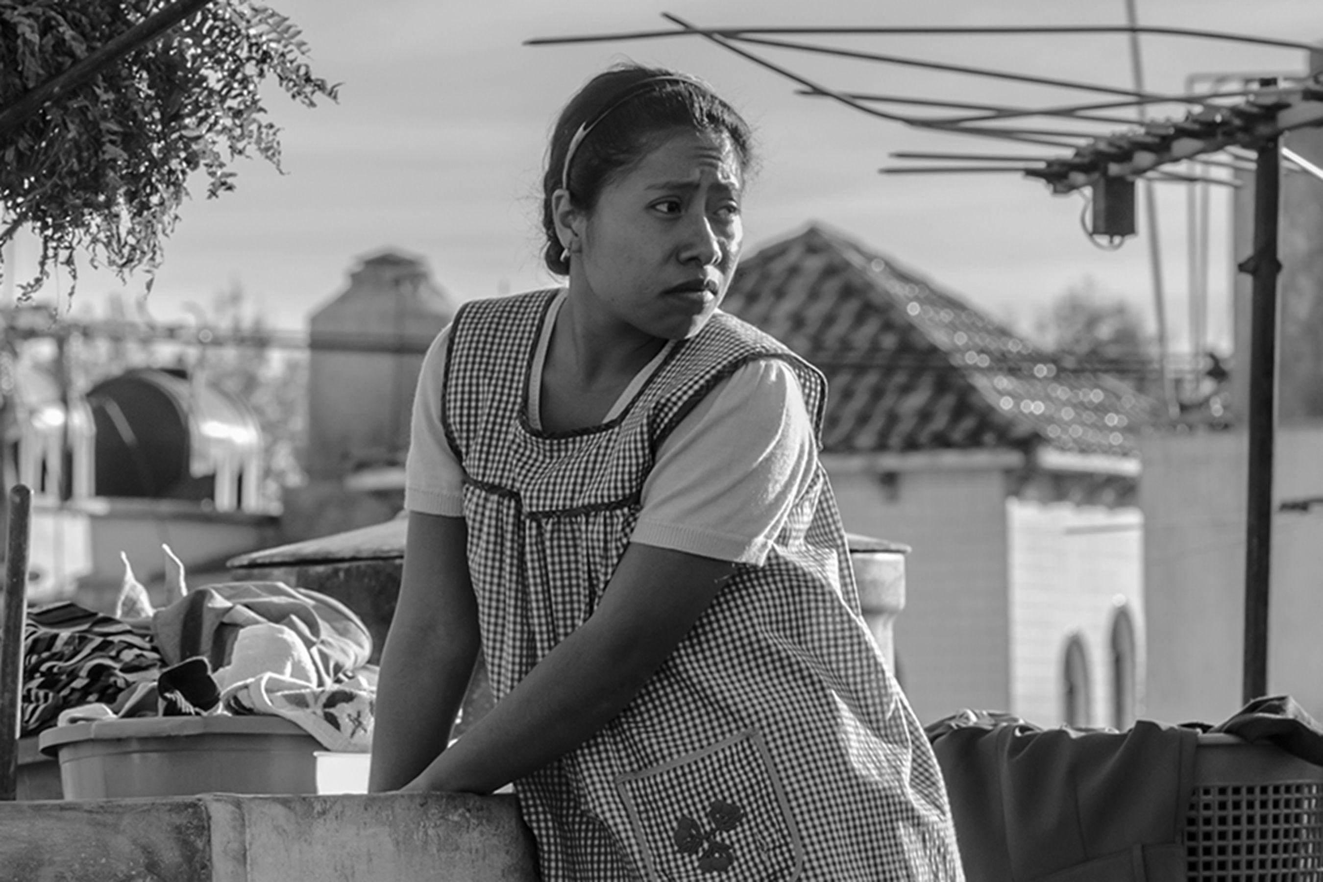 """Fanáticos de """"Roma"""" buscan revivir la película recorriendo las calles donde se filmó"""