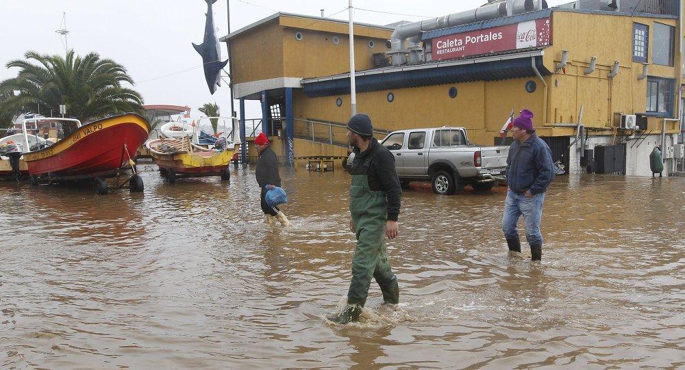 Fuerte temporal suma damnificados en el desértico norte chileno
