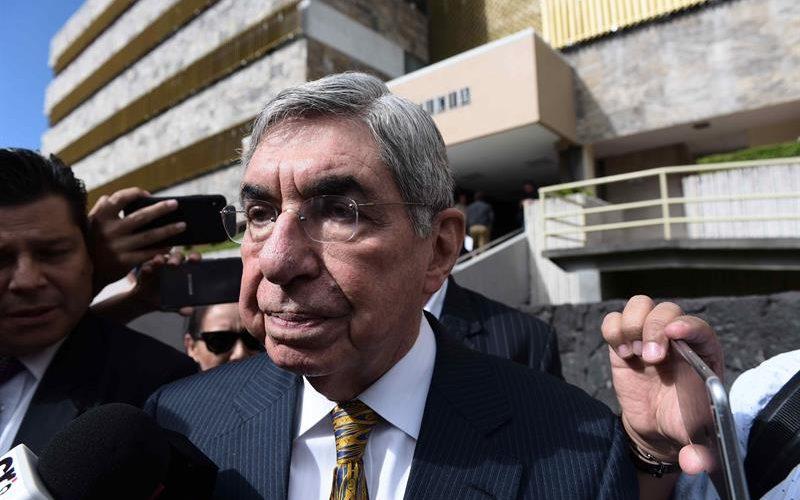 Expresidente costarricense Arias declara por denuncias de abuso sexual