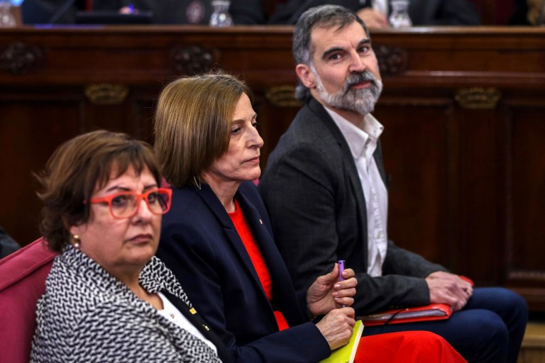 Supremo español abre juicio a 12 dirigentes independentistas catalanes