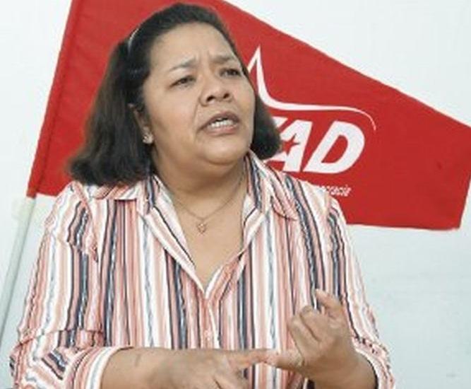 La compañera de fórmula de Saúl Mendez en la vicepresidencia del FAD será Maribel Gordón