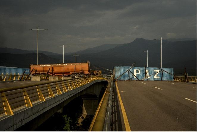 Duelo de conciertos en la frontera entre Colombia y Venezuela