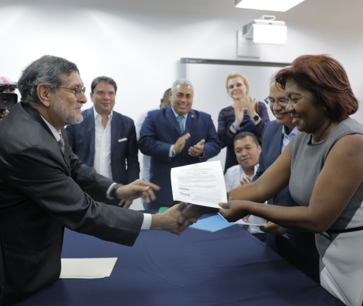 Blandón oficializa a Quijano como vicepresidenta ante el Tribunal Electoral
