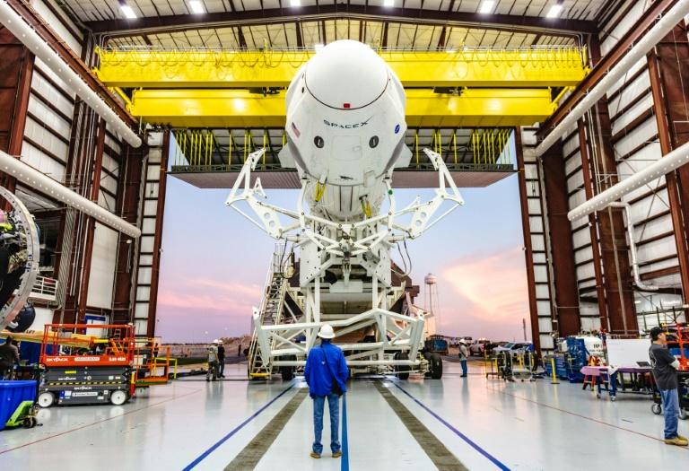 SpaceX enviará turistas a la Estación Espacial Internacional