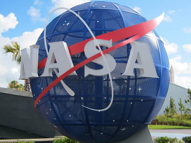 La NASA aprieta el acelerador para volver pronto a la Luna