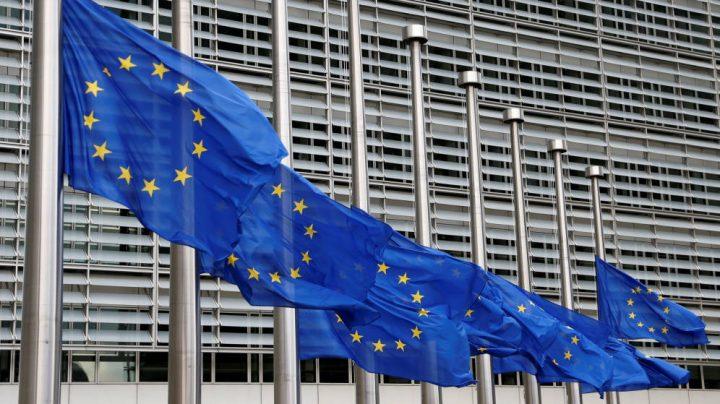 La UE destina 100 millones de euros a compra de exámenes rápidos de covid-19