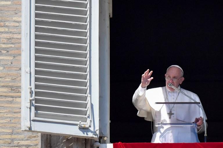 """El papa pide que se actúe """"rápidamente"""" para evitar naufragios de migrantes"""