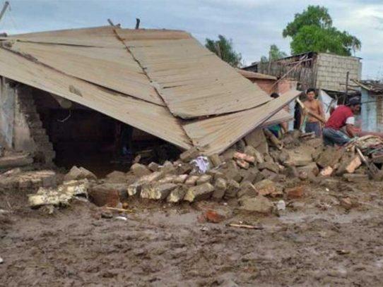 Nueve muertos y diez heridos en derrumbe de iglesia evangélica en Perú