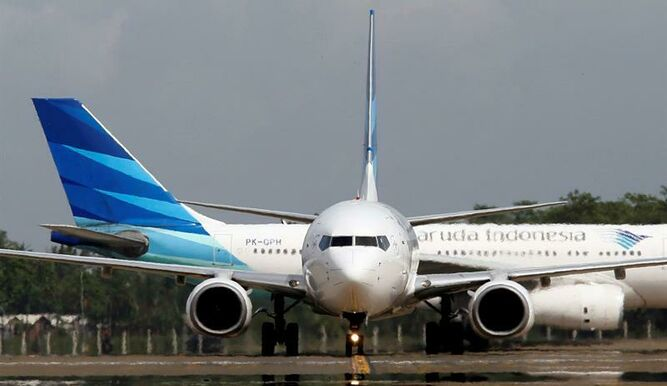 Boeing reduce ritmo de producción de 787 tras aparición de nuevos problemas