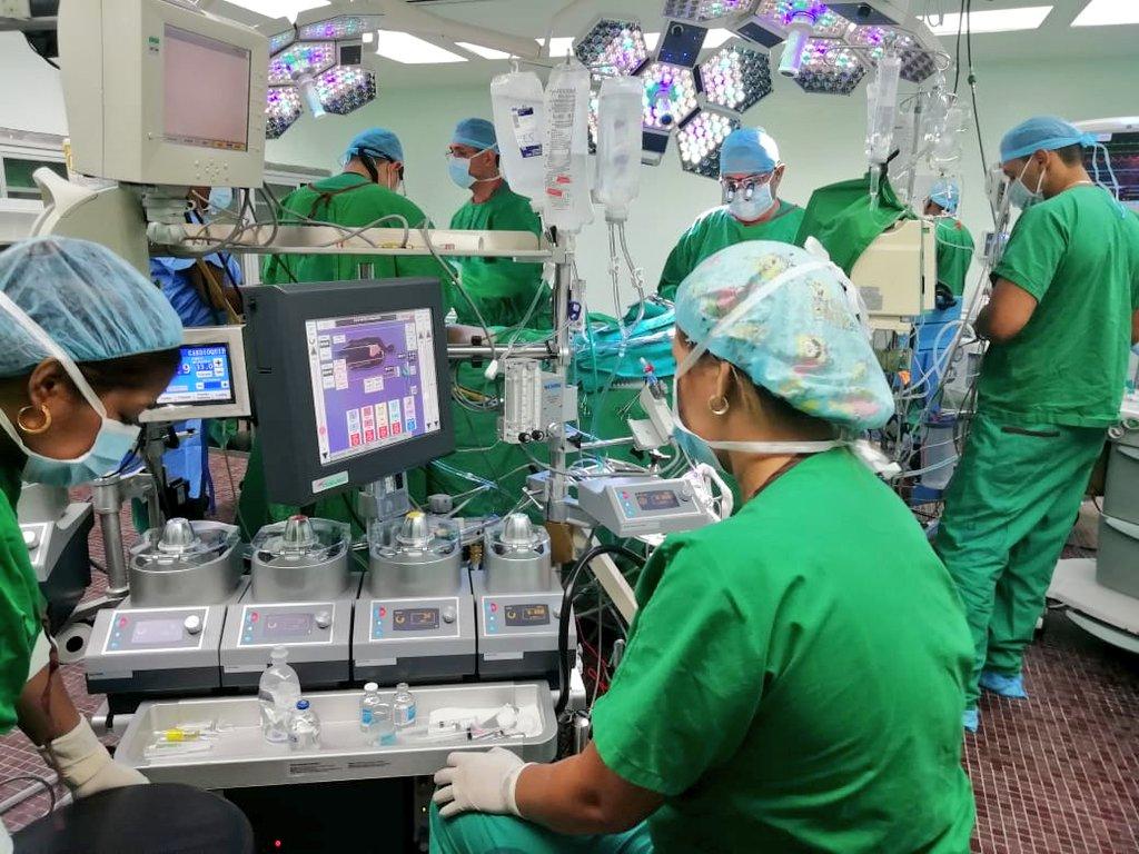 Realizan primera cirugía cardiovascular con la nueva Bomba de Circulación Extracorpórea