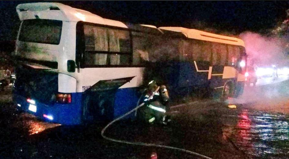 Bus que transportaba a mineros se incendió en La Pintada