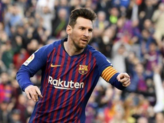 Messi cierra la Liga con doblete y acaricia una sexta Bota de Oro