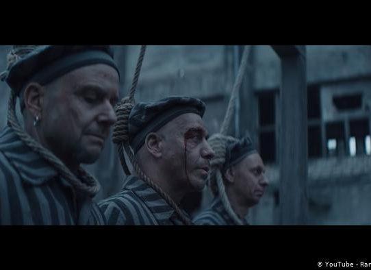 Críticas a un vídeo Rammstein donde sus miembros aparecen vestido de presos nazis