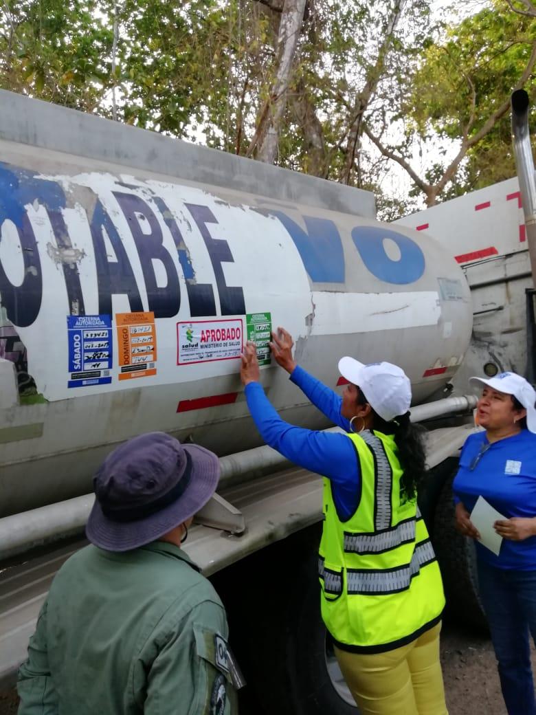Supervisan abastecimientos de carros cisternas