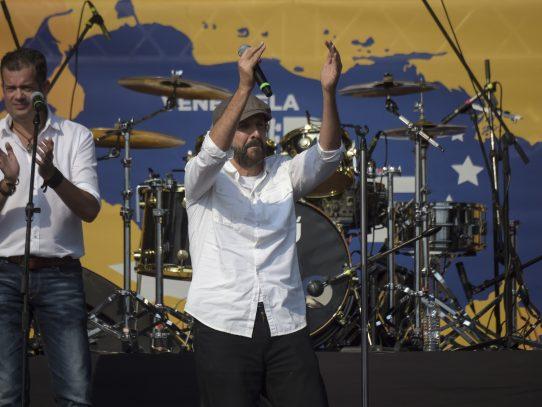 Juan Luis Guerra coquetea con el público juvenil en su nuevo sencillo Kitipun