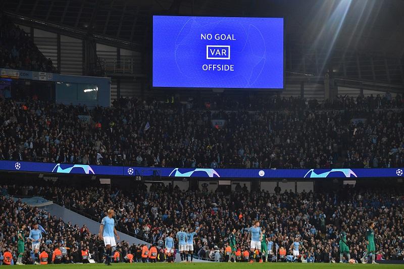El VAR revoluciona las emociones en el fútbol