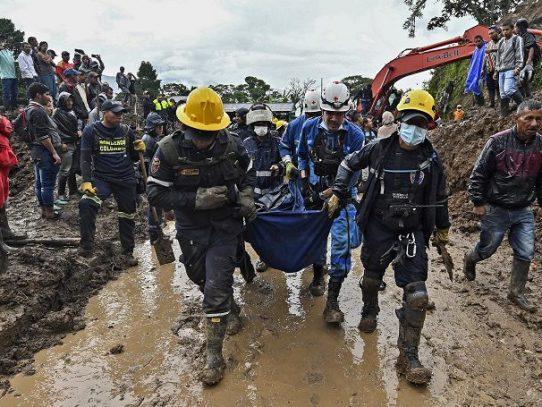 Suben a 20 los muertos por derrumbe en suroeste de Colombia
