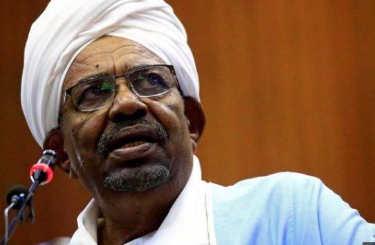 Junta militar derroca al presidente de Sudán Omar al Bashir
