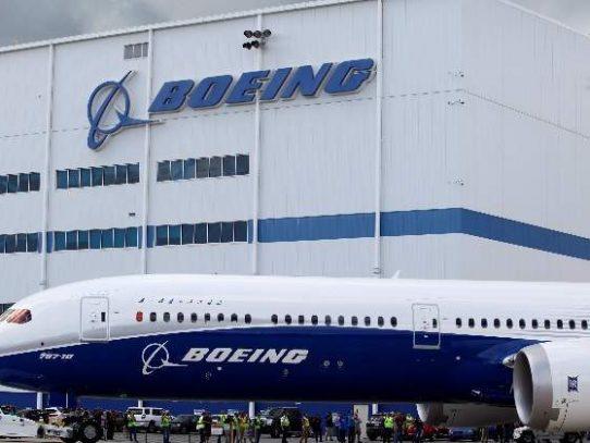 """Boeing encuentra un nuevo error """"menor"""" en el software del 737 MAX"""
